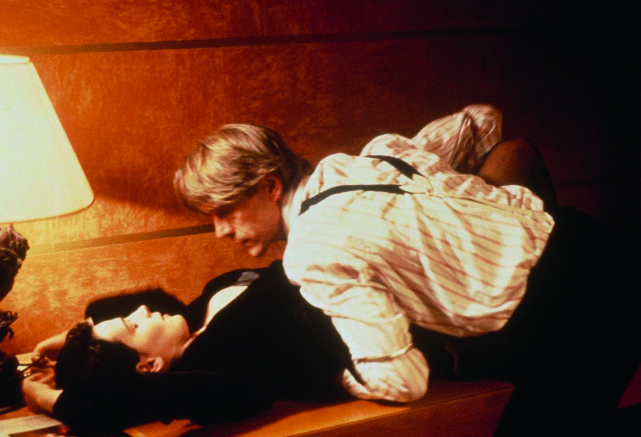 still-of-juliette-binoche-and-jeremy-irons-in-damage-1992-large-picture