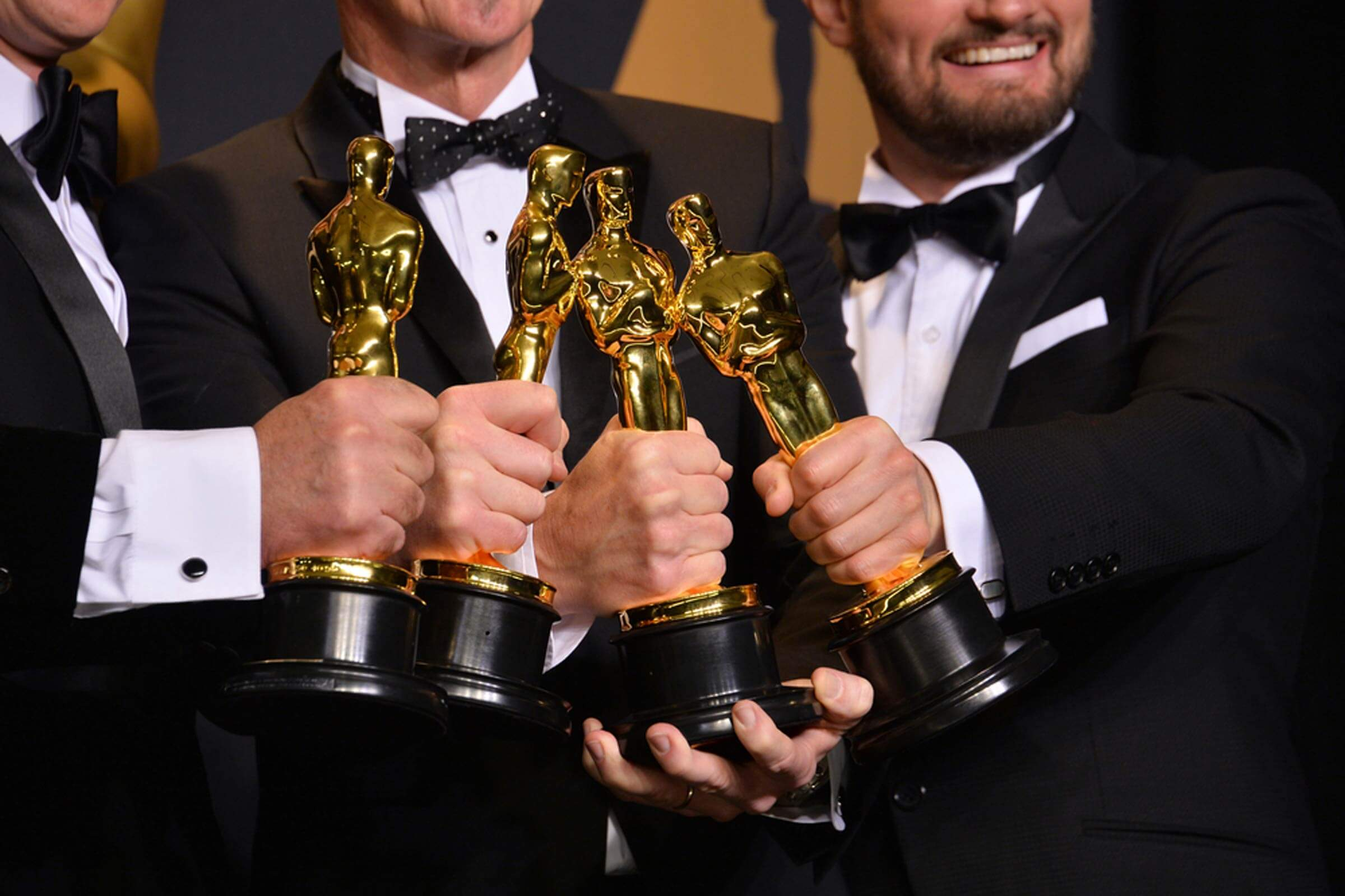 this-is-why-the-oscar-is-a-statue-of-a-gold-man_595402754_featureflash-photo-agency