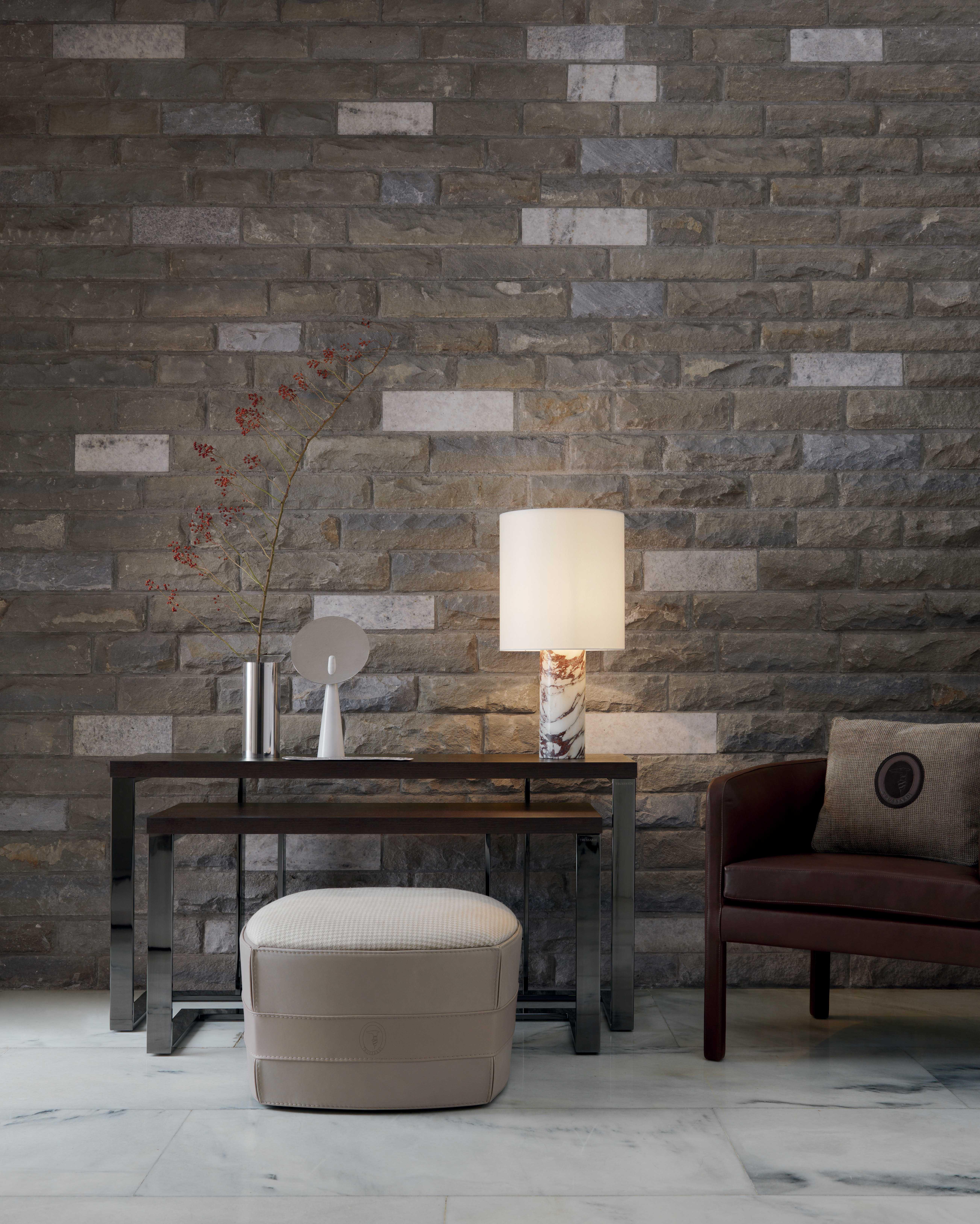 tr_tecno_consoles_maggy_armchair_pouf_414_ottoman_stone_table_lamp
