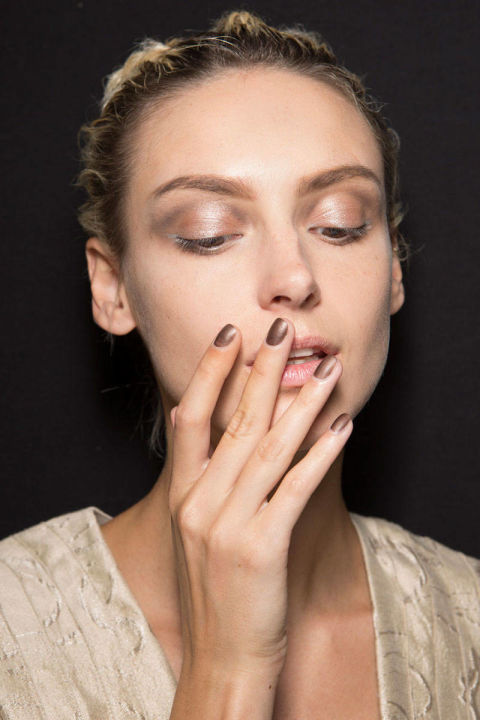 54bc30ee62a61_-_rends-ss2015-runway-nails-giorgio-armani-bks-z-rs15-4281-lg