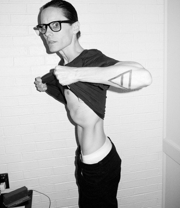 Jared-Leto-Shows-Off-Emaciated-Frame-in-Shocking-New-Pics-2