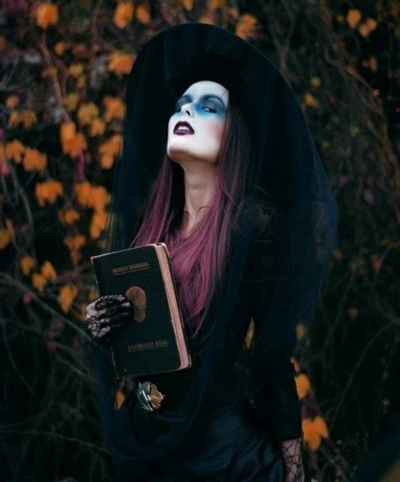 Horror-stories-modern-Witch-Halloween-Octoberfest-Costumes-7
